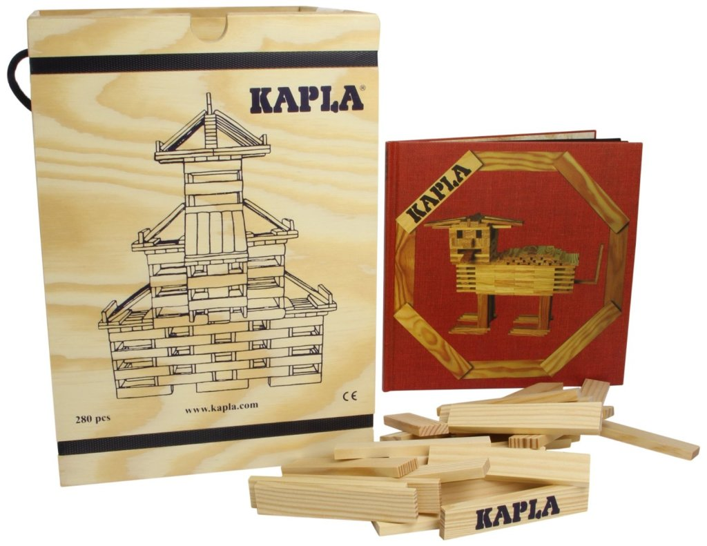 An eiffel tower made from kapla blocks the kid should for Architecture kapla