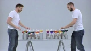 Lernert & Sander: Playing music on a rainbow-colored glass harp