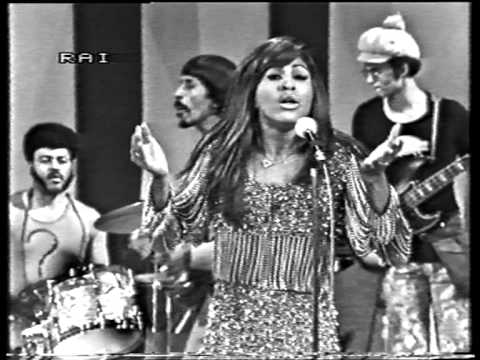 Tina Turner covers Creedence Clearwater Revival's Proud Mary (1971)