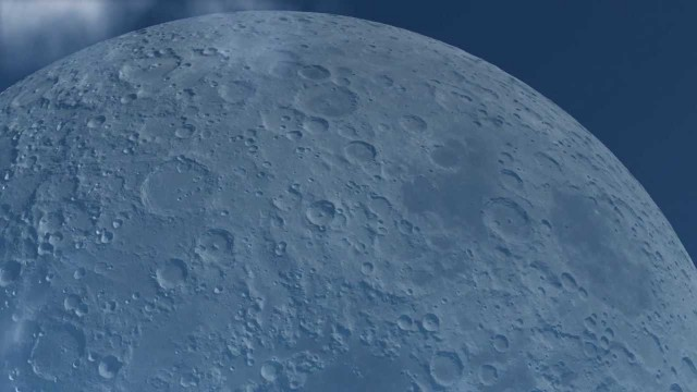 What would the moon look like if it was as close as the ISS?