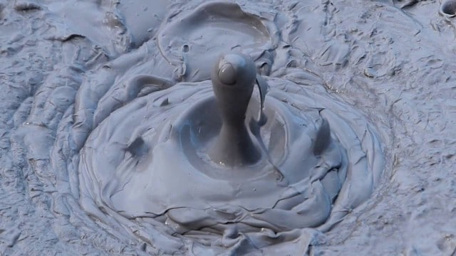 Dancing Mud: the bubbling mud pots in Rotorua, New Zealand