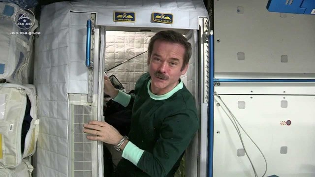 Astronaut Chris Hadfield: What it's like to live in space