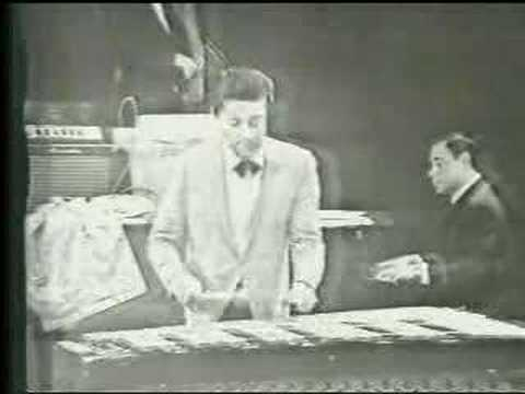 Tito Puente performs A Maria Cervantes on the vibraphone (1945)