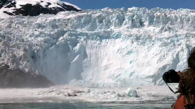 Ice calving, Holgate Glacier at Kenai Fjords, Alaska