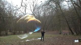 Bulles de savon géantes (Giant soap bubbles)