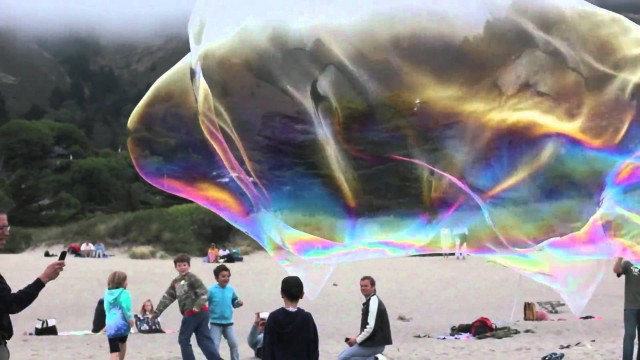 Bubble-whisperer Sterling Johnson makes massive bubbles on Stinson Beach