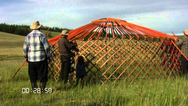 How nomads put together a ger (or yurt)