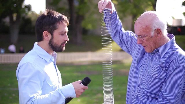 Veritasium: The Slinky Drop in slow motion