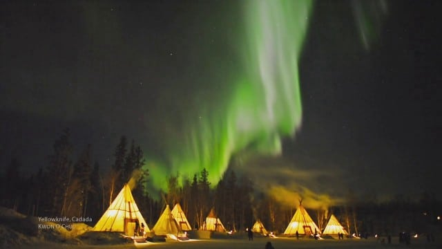 This is NOT time lapse: the Aurora Borealis in real time