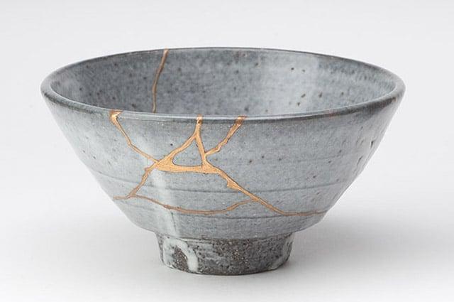 kintsukuroi - mending with gold