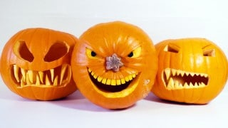 How to make Halloween pumpkins with scary teeth
