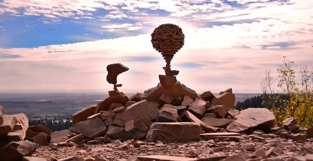 michael-grab-rock-balancing-sculptures02
