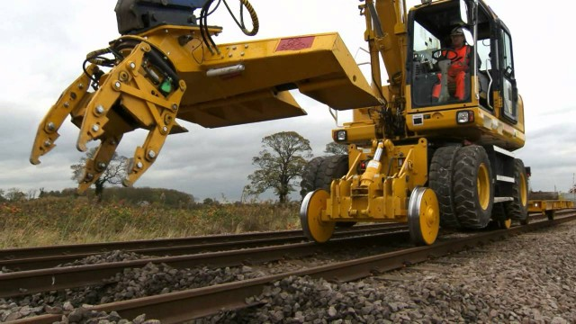 Train tracks: How to replace railway ties without pulling up the rails