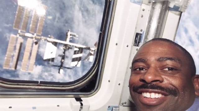 NASA Astronaut Leland Melvin – Chronicles