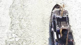 Icebreaker Boats: Breaking Ice on the Hudson River