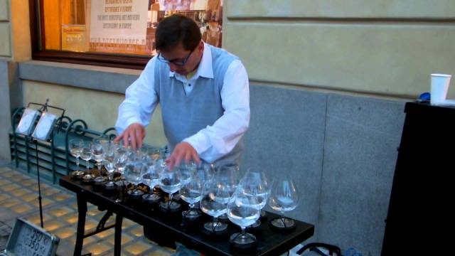 Franz Liszt's La Campanella played on a glass harp