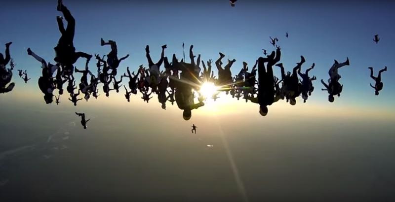 skydive-world-record-164-formation-redbull01