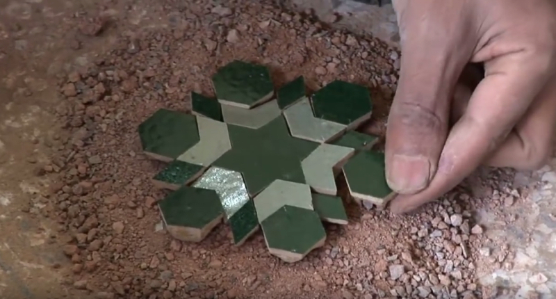 zellige-zillij-making-moroccan-terracotta-tiles01