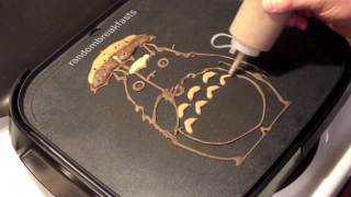 Totoro & Catbus pancake art by Random Breakfasts