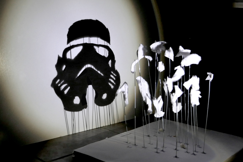 stormtrooper-red-hong-yi-starwars-shadows