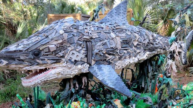 Washed Ashore, giant animal sculptures made of found beach plastic