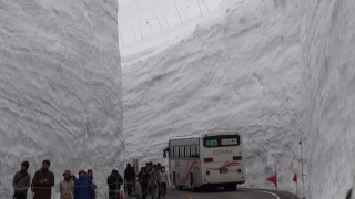 Yukino-otani, the huge snow walls of the Tateyama Snow Corridor