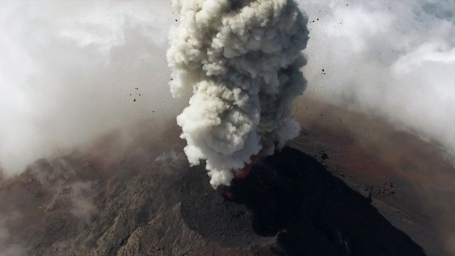 Drones help scientists study Guatemalan volcanoes