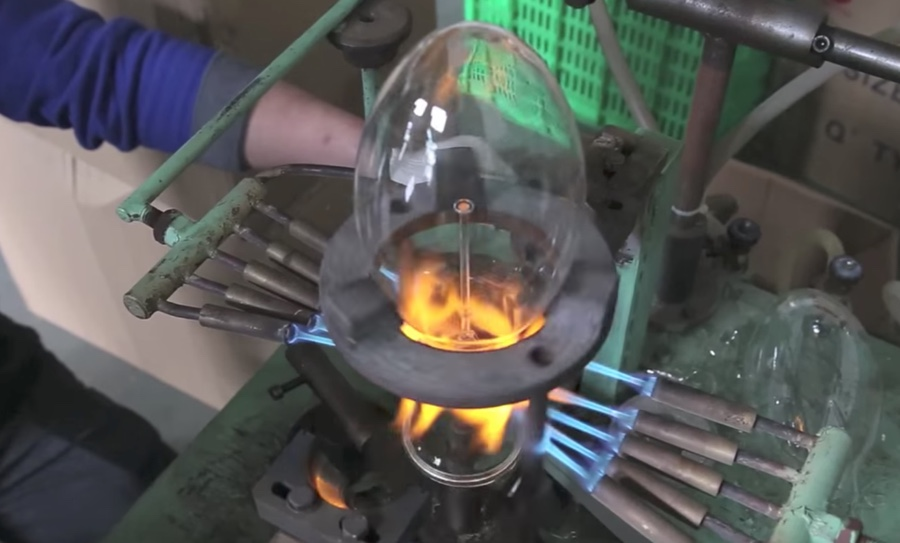 The Bulb Factory How Vintage Filament Bulbs Are Made By