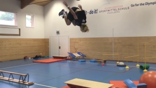 Swiss freestyle skier's acrobatic parkour training