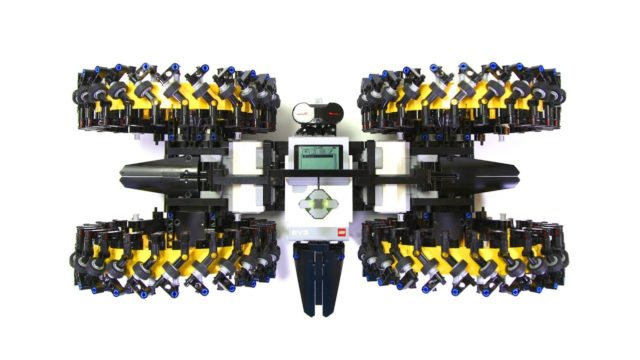 LEGO Mindstorm mecanum wheel vehicles by Yoshihito Isogawa