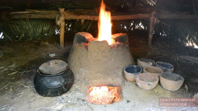 Pottery, a stove, and a palm frond dome hut – Primitive Technology