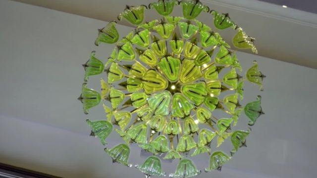 The Exhale Bionic Chandelier: Microorganism-filled 'leaves' that 'breathe'