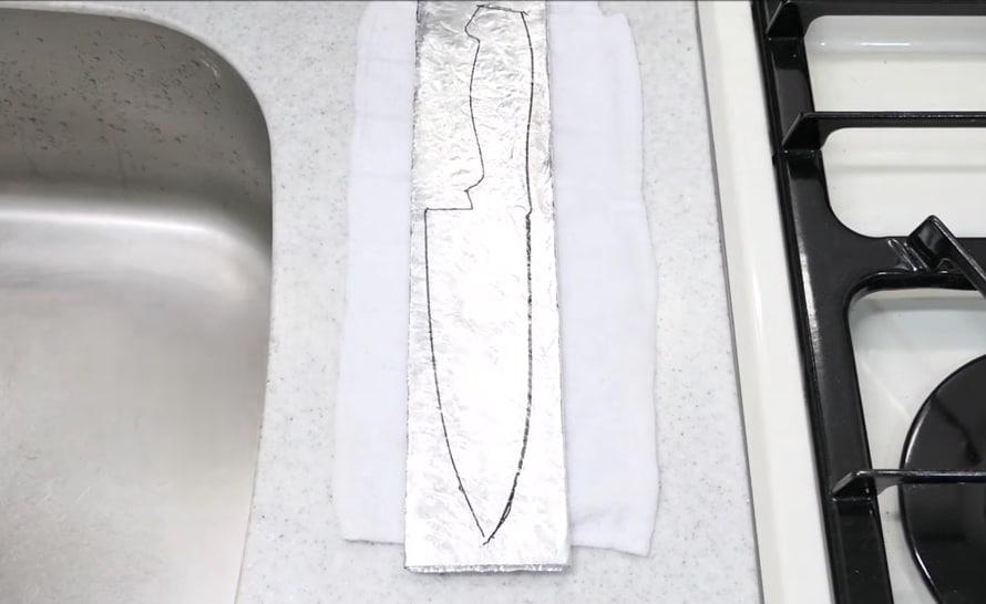 Pleasant Making A Kitchen Knife From A Roll Of Aluminum Foil Interior Design Ideas Truasarkarijobsexamcom